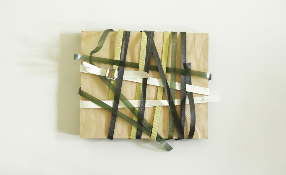 crossing, 2012, Verpackungsbänder Multiplex, 24 x 28 cm