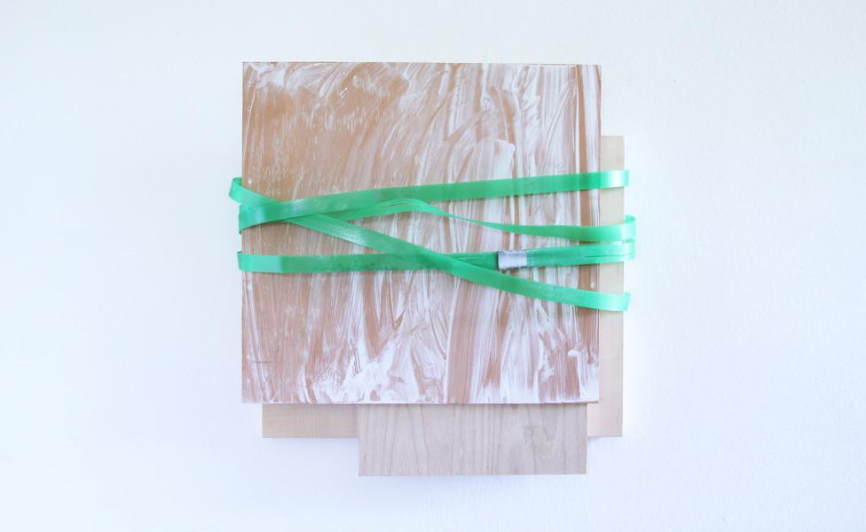 Relief für L., 2014, Öl Plastikband Holzplatten, 39 x 39 x 9 cm
